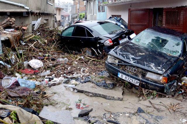 Близо 466 хил. лв. получават училищата във Варна и Добрич, пострадали от наводненията