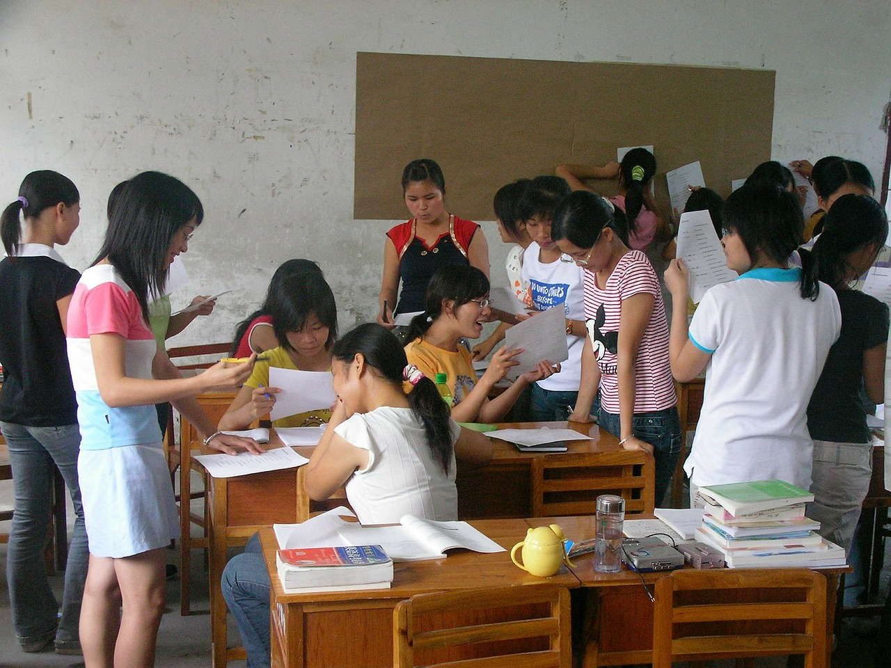 Лесно ли е да си учител в България