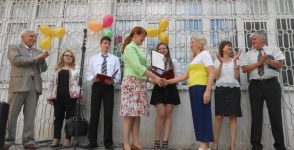 """Вижте кой спечели отличието """"Любим учител"""" във Варна"""