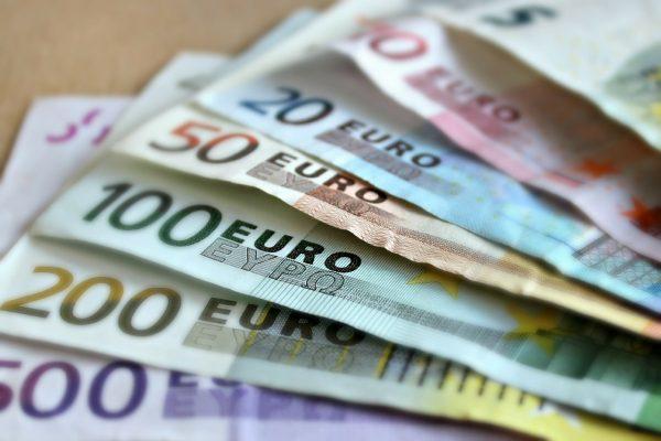 Учителска заплата в страните от ЕС