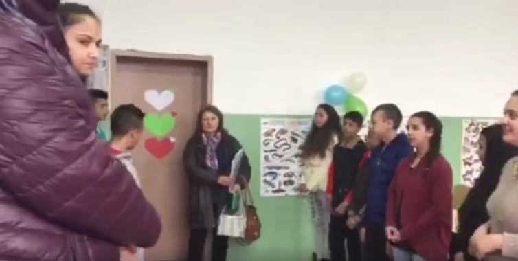 Уникален жест на ученици към учителка за 8 март